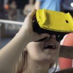 Bizar: met een VR-bril op een waterglijbaan af